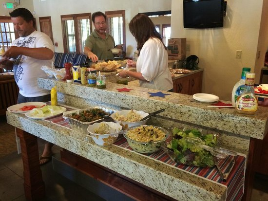 Mountain Retreat Resort, a VRI resort : Friday reception for guests