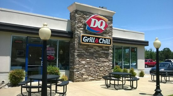 Dairy Queen : Come get your swirl on!