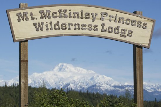 Mt. McKinley Princess Wilderness Lodge: view of the mountain