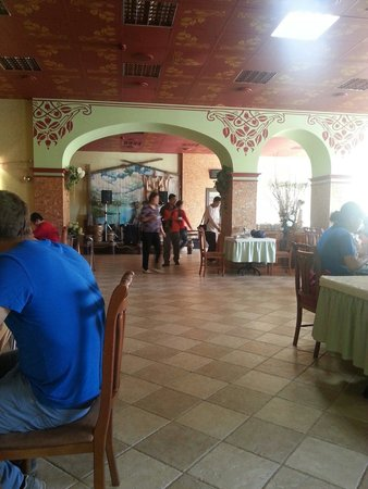 Sadko Hotel: Завтрак в Садко