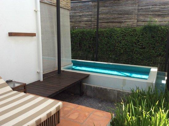 Putahracsa Hua Hin : A very long very pool