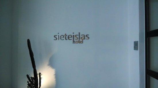7 Islas Hotel: Porta de entrada