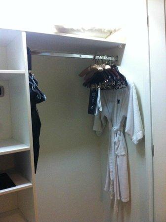 JW Marriott Hotel Lima: Closet