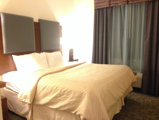 Comfort Suites: Bedroom
