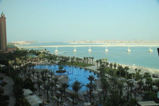 Atlantis, The Palm : pemandangan dari kamar hotel