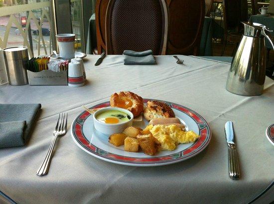 InterContinental Istanbul : Sumptuous Buffet Breakfast