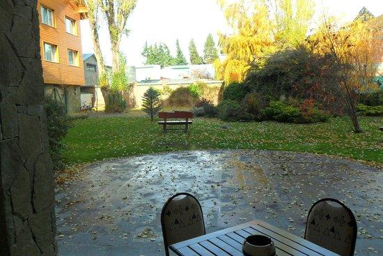 Hotel Kosten Aike: Bellísimo parque del hotel