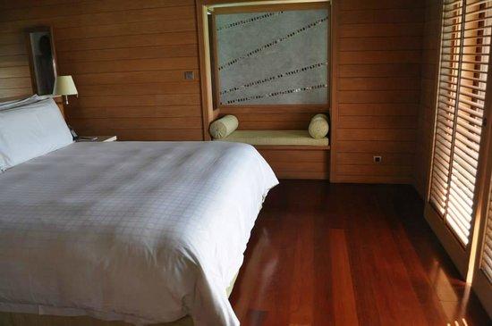 Four Seasons Resort Bora Bora: Bedroom