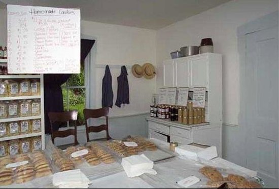 Yoder's Amish Home: Bakery