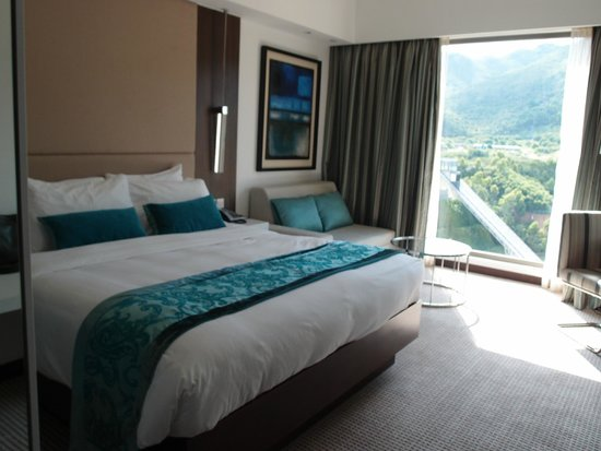 Auberge Discovery Bay Hong Kong: Mountain View @ 11/F