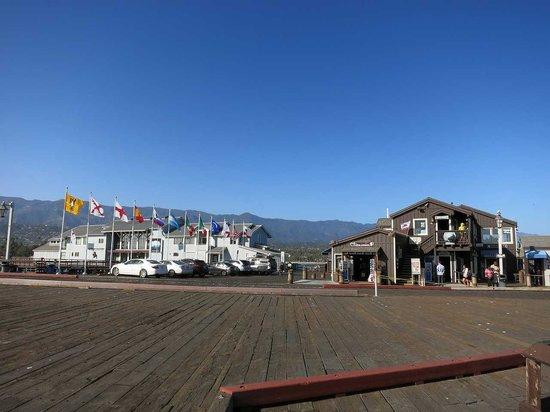Stearns Wharf : 木製のピア