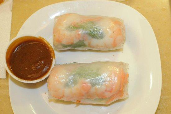 Isan Thai Restaurant: My favorite: Fresh Rolls