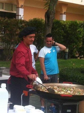 4R Regina Gran Hotel : готовили паэлью (мастер - класс)