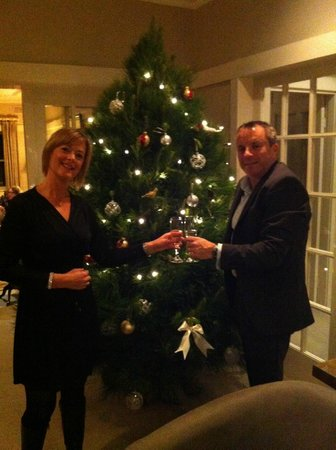 Links House: Complementary bubbles before Christmas in July dinner