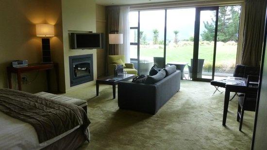Select Braemar Lodge & Spa: Spacious & tasteful decor