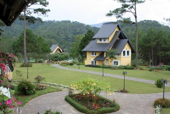 Binh An Village Dalat : View of Villas from Hotel