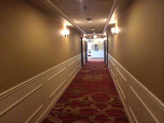 The Inn at the Peak: Hallway