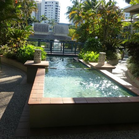 Novotel Cairns Oasis Resort: Attractive grounds