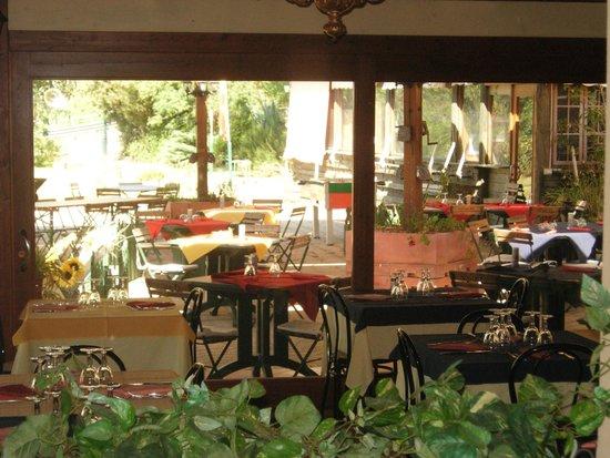 https://media-cdn.tripadvisor.com/media/photo-s/06/24/08/e9/cafe-restaurant-van-gogh.jpg