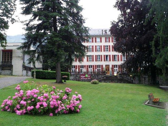 Hotel Restaurant du Parc: L'hôtel vu du parc