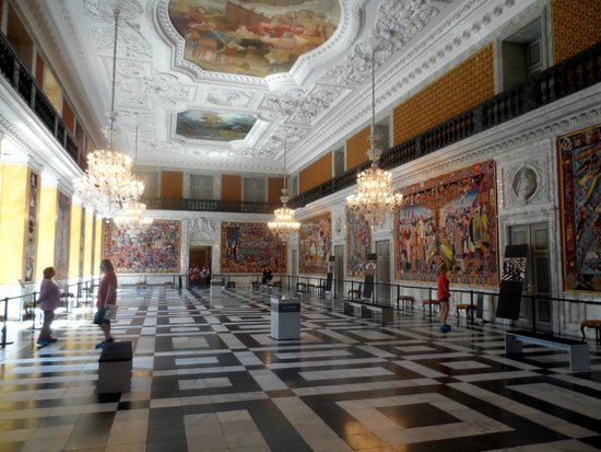 Palacio de Christiansborg: The Royal Reception Rooms - Showing the history of Denmark