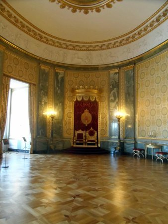 Palacio de Christiansborg: The throne room