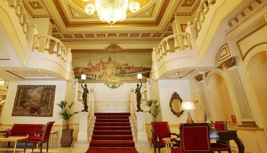 Moscow Hotel: Lobby Area