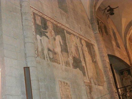 Parrocchia di San Gregorio Maggiore: Frescoes inside
