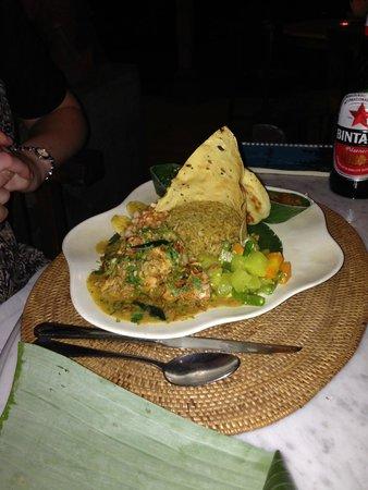 Gadjah Wong: Chicken curry