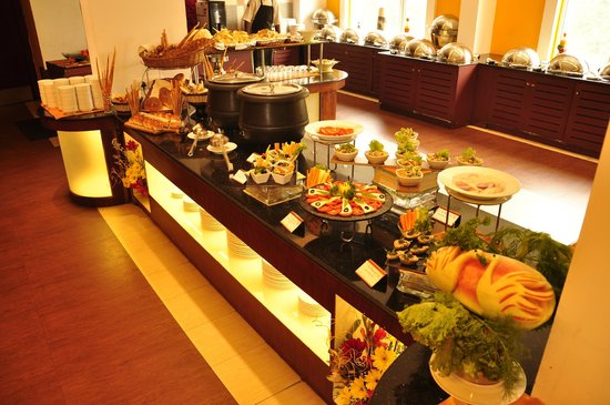 Le Boulevard Restaurant : Buffet Display