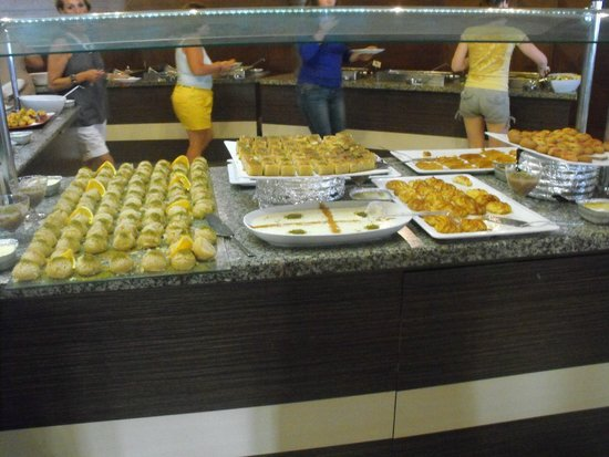 Omer Holiday Resort: buffet de dessert