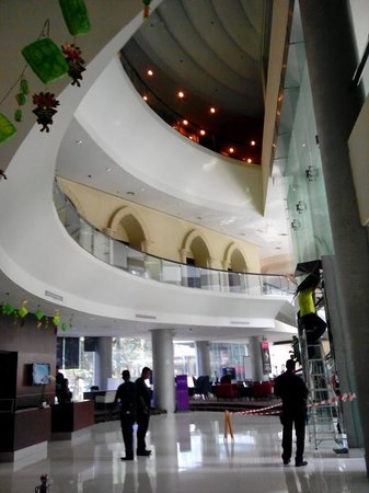 Hotel Novotel Kuala Lumpur City Centre: ロビー