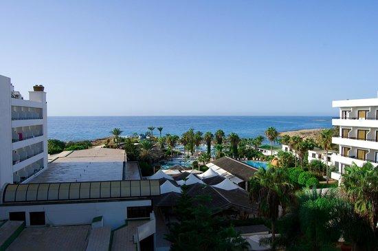 Adams Beach Hotel: Вид из номера Honeymoon suite
