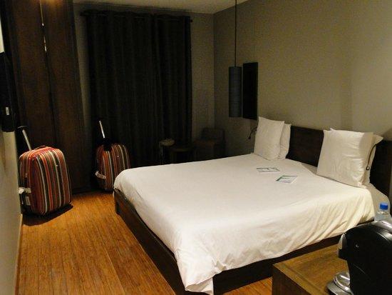 Le Louvre Hôtel & Spa: cama