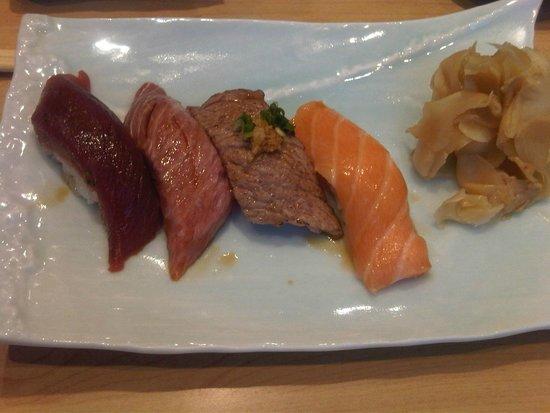 Comme des Poissons: Assortiment sushis