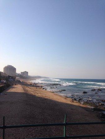 Umhlanga Main Beach : Clean beach