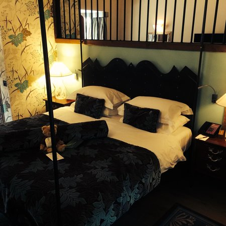 The Manor House Hotel and Golf Club: Bedroom - Golden Leigh