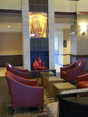 Hyatt Place Denver Airport: The Lobby