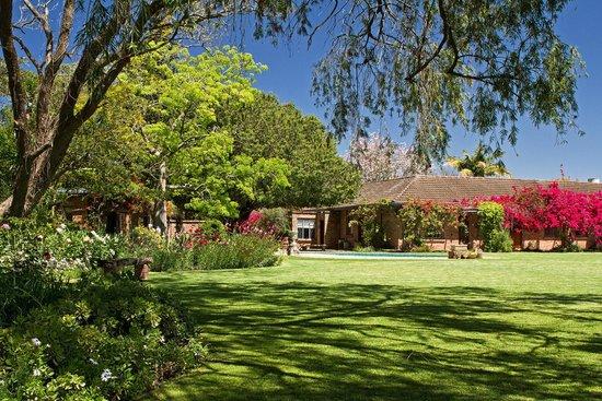Gerald's Gift Guest House: Garden