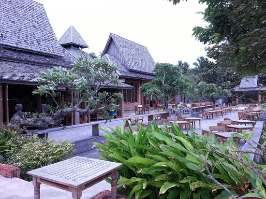 Santhiya Koh Yao Yai Resort & Spa : Restaurant frontside