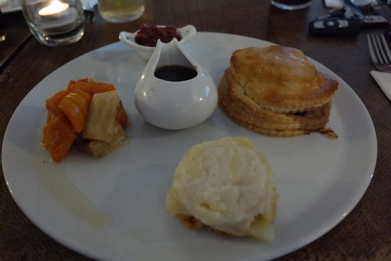 The Red Lion Inn: Beef wellington