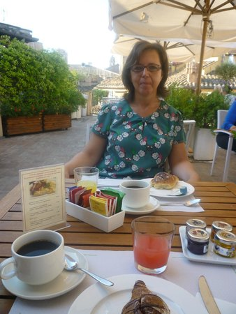 Albergo Cesari: la terrazza in the morning 2