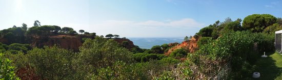 Luna Falesia Mar: Panoramic of sea/beach view from pool area