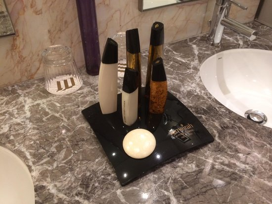 Jumeirah at Etihad Towers: Tower themed toiletries @ Jumeirah Etihad Towers