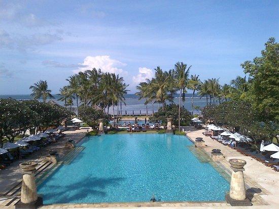 Conrad Bali: Vue de la piscine