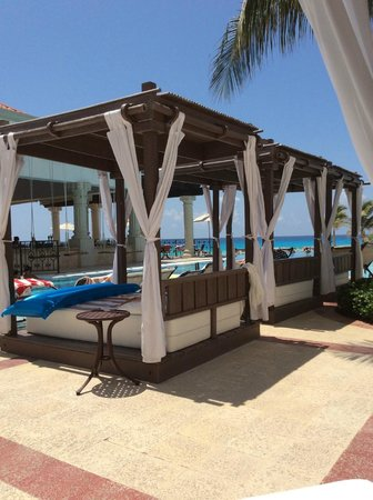 Hyatt Zilara Cancun : The cabanas, which you have to get up VERY early (think 6:00 am) to reserve.