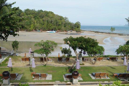Nakamanda Resort & Spa: Beach View from Room