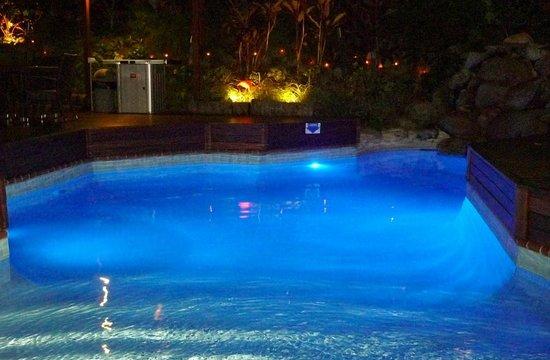 Le Cher Du Monde : The pool