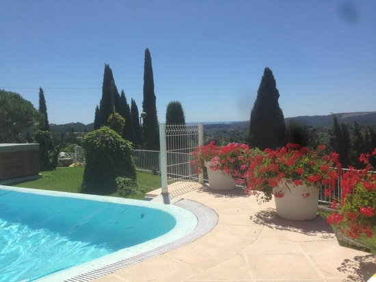 Le Hameau : The view from the pool
