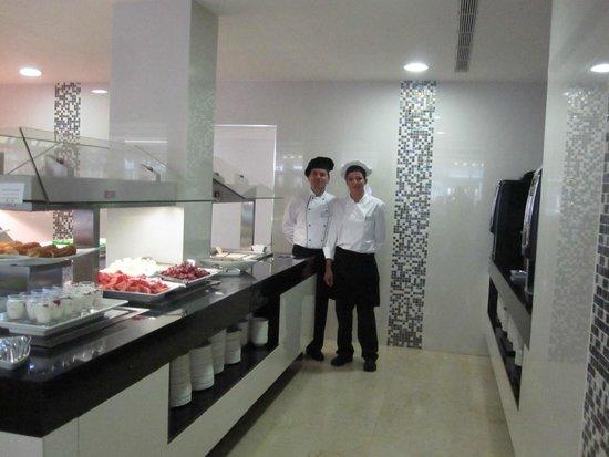 Hotel Astoria Playa Only Adults: Sehr gutes Nachspeisenbüfett, sehr aufmerksames Personal!